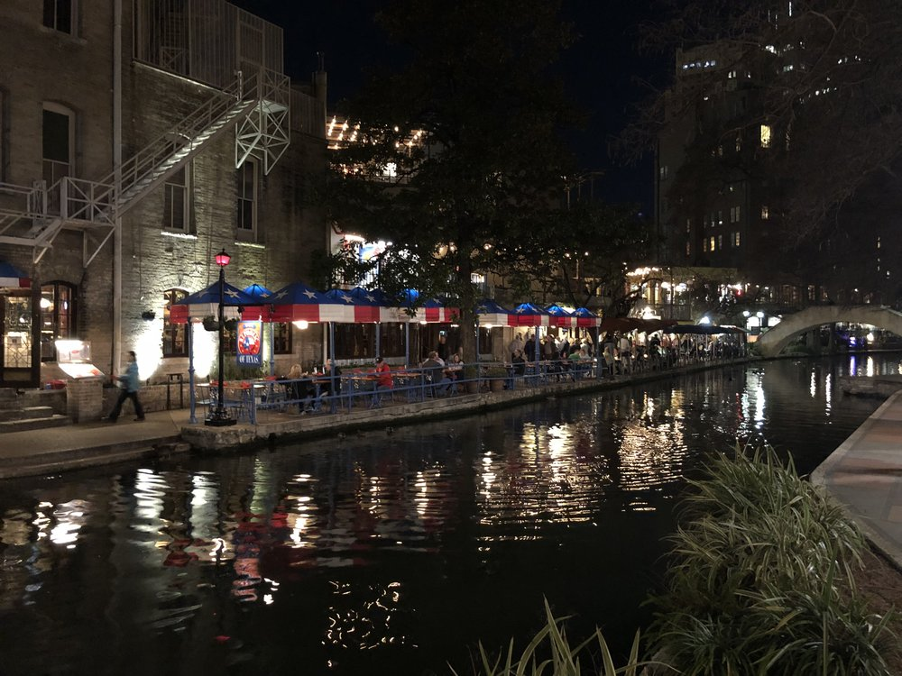 A night-time view of the River Walk, on the first evening after I arrived.