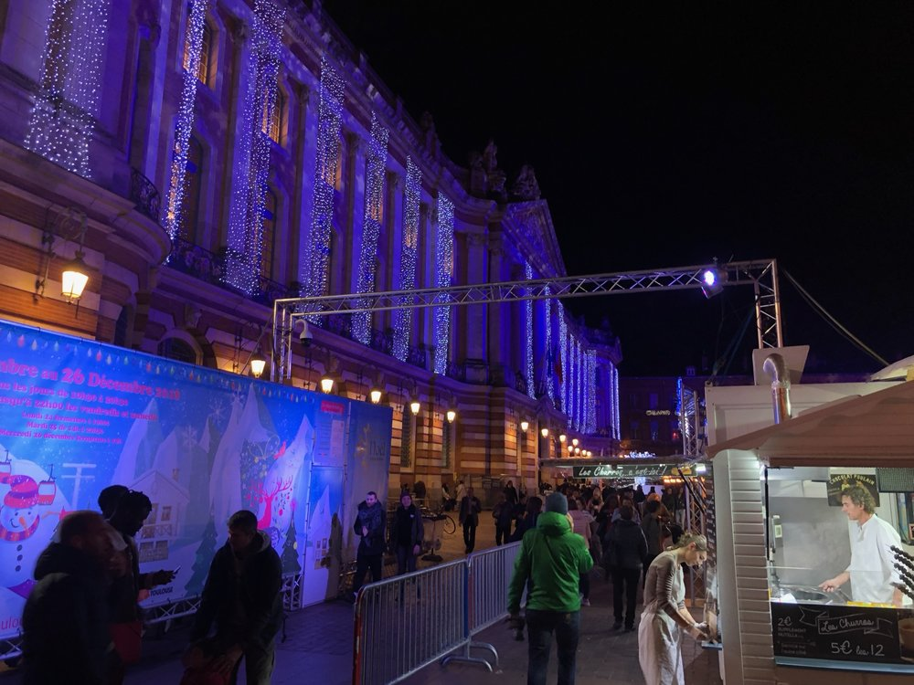 The entrance to the Christmas market.