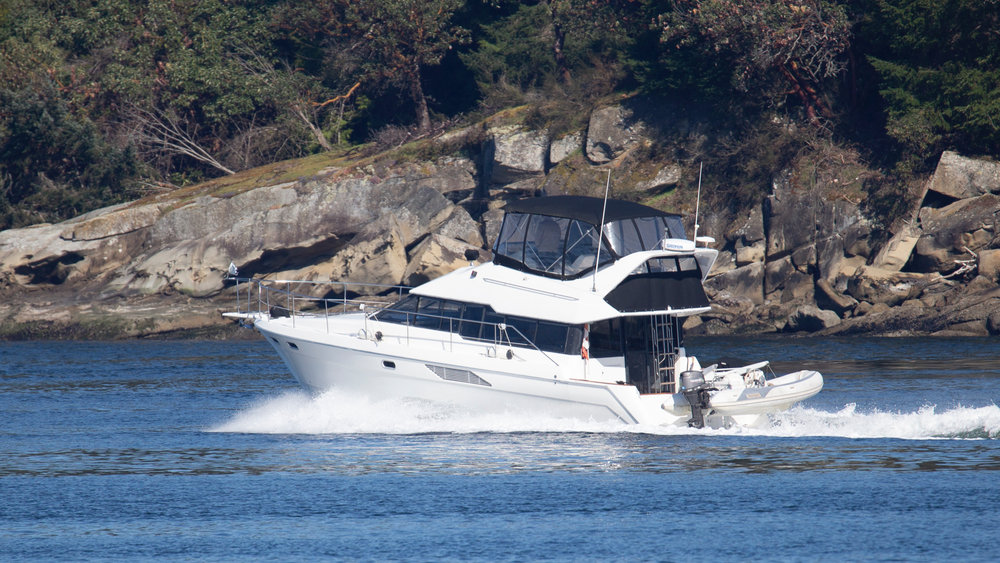 If you happen to know this boat, report the jackass to the authorities…
