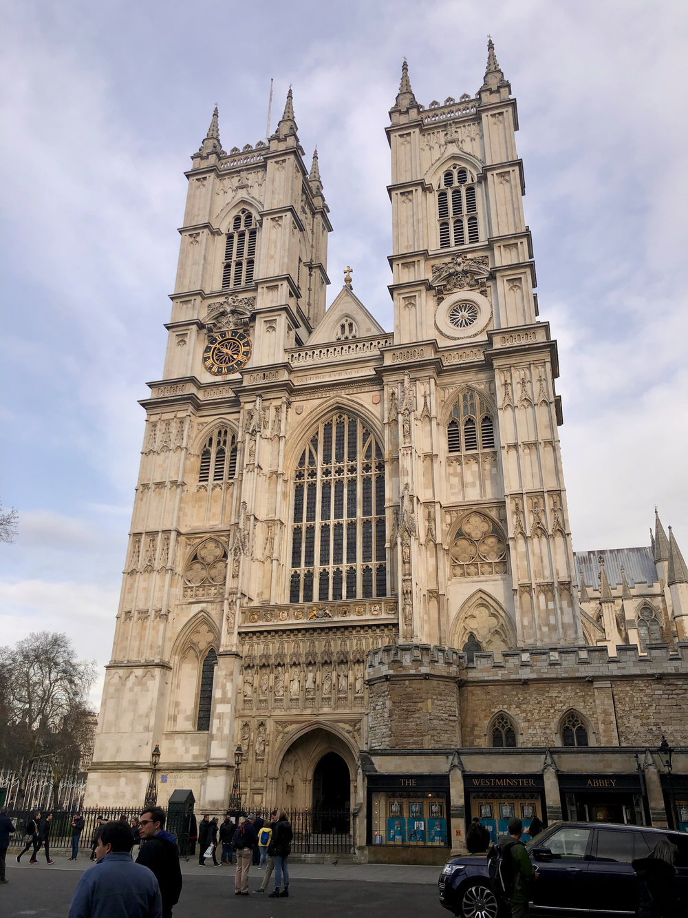 Where my meeting was, and where I met Justine wasn't far from Westminster Abbey, so it seemed like the obvious first stop.