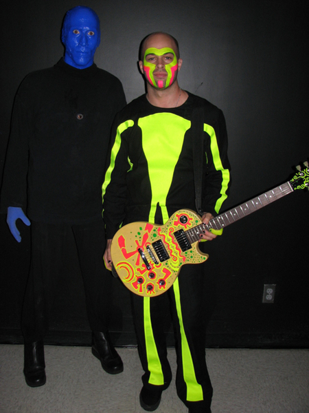 Gibson Guitars promo photo with Blue Man Group.