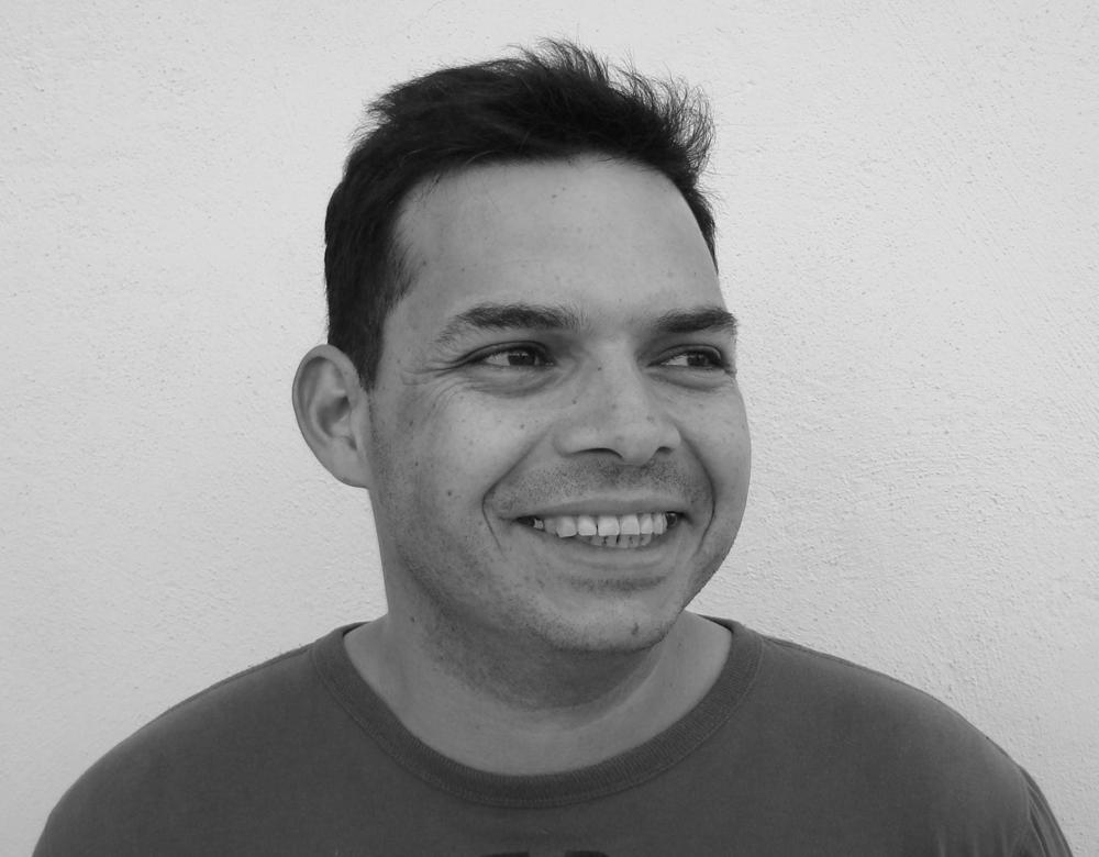 Juan Enrique  tiene diez años de experiencia en educación y capacitación, además de estudios en ingeniería industrial. Un facilitador experimentado, Juane se encarga de la relación con nuestros clientes asegurando que obtengan un servicio de clase mundial.