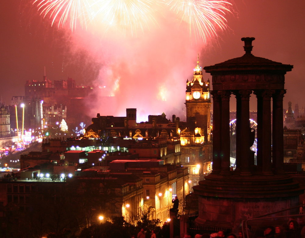 By Robbie Shade - Fireworks over Edinburgh, CC BY 2.0, https://commons.wikimedia.org/w/index.php?curid=12525734