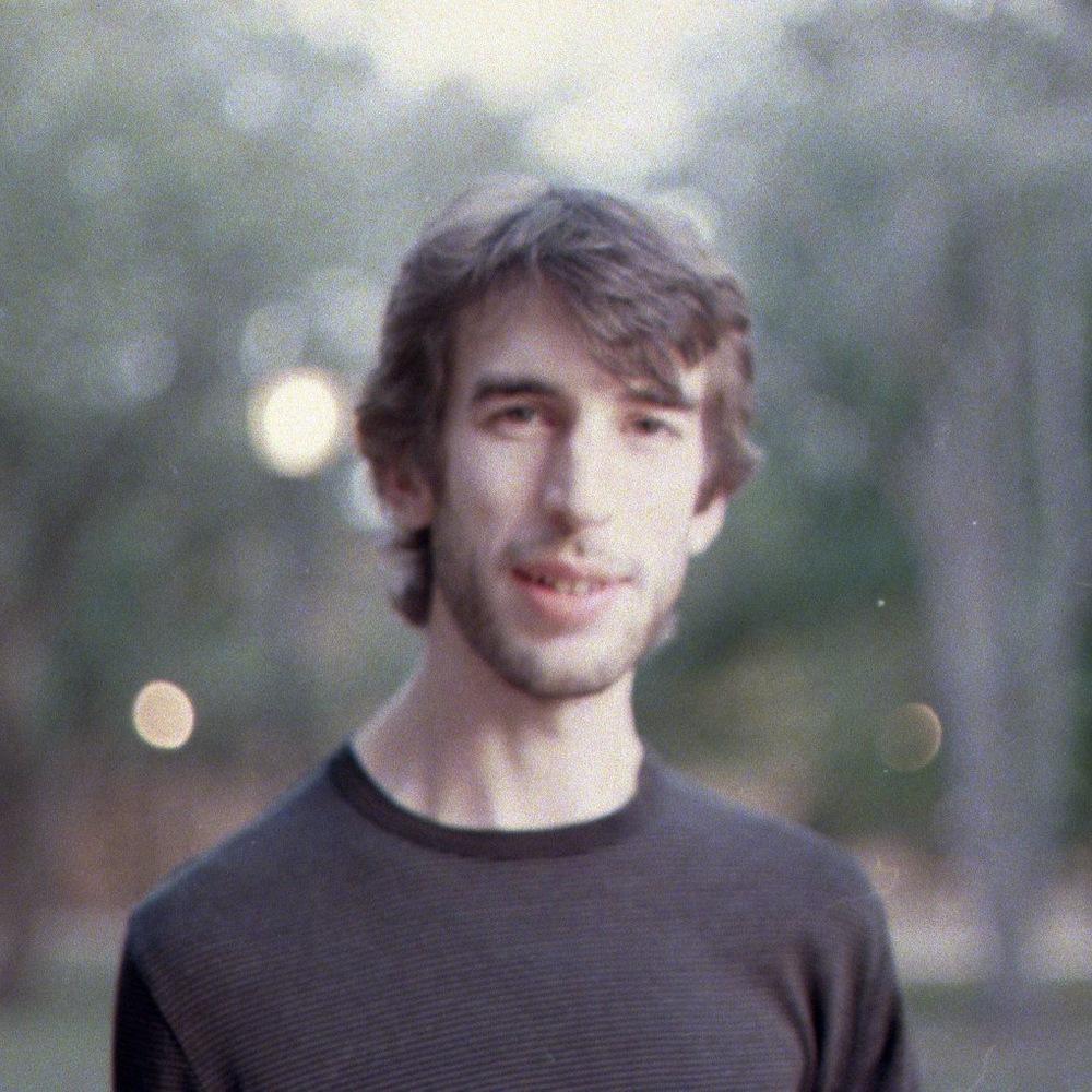 profile photo film 2010 square.JPG