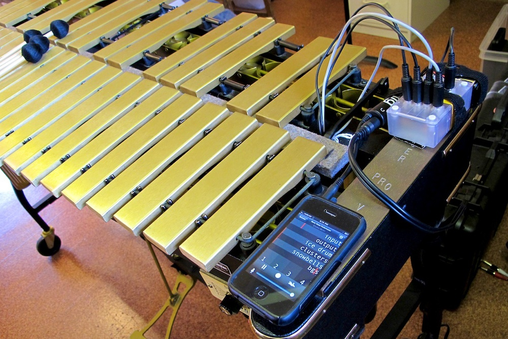 The whole system fits on the end of my vibraphone - compact!