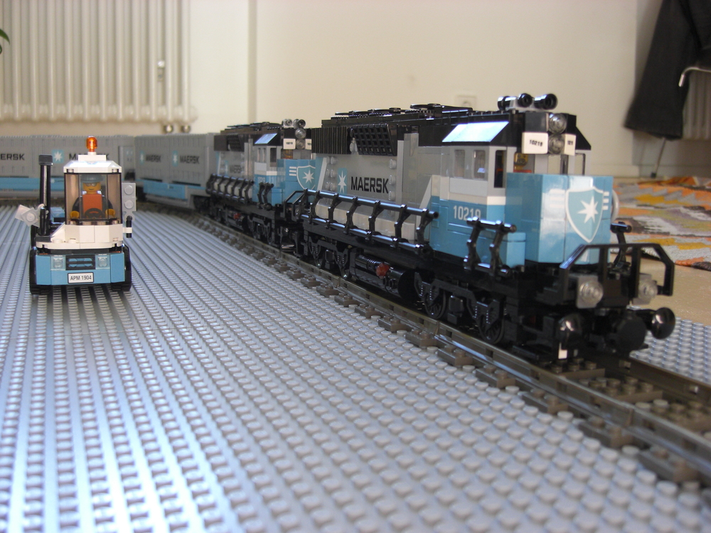 Maersk train close up