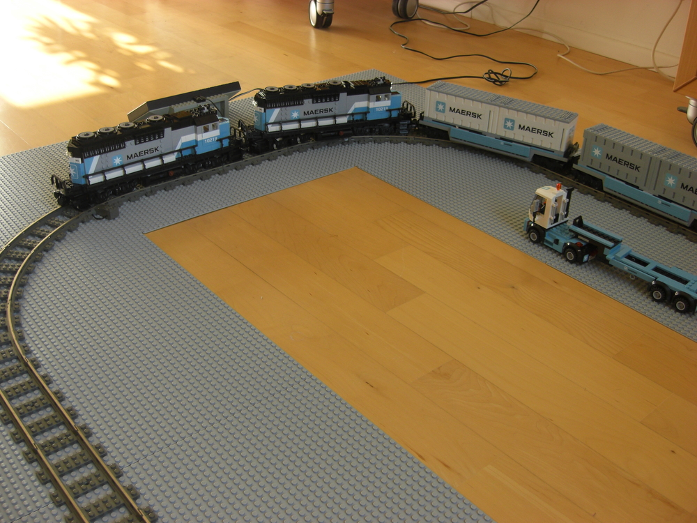 Maersk train with 9V motor