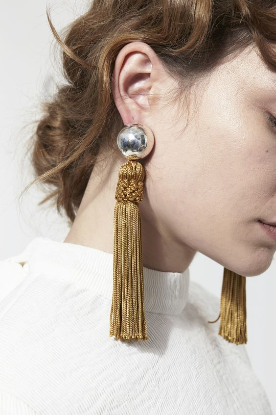 Trends : The Statement Earrings Of Today