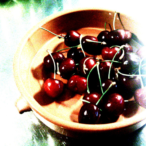 iPhone photography: black cherries