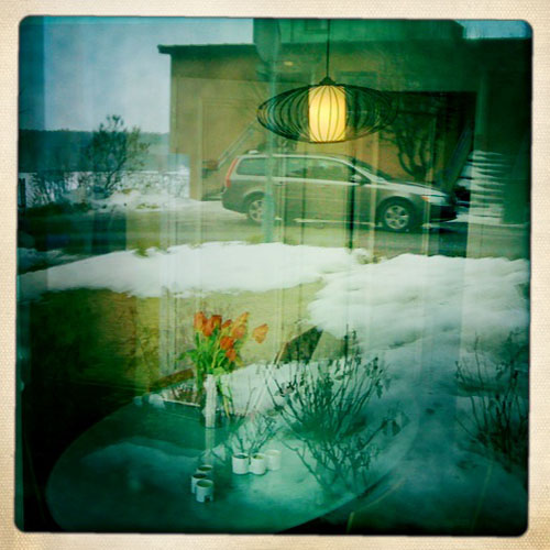 iPhone photography: Studio reflections in the window