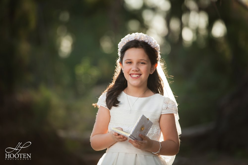 Immaculate-Conception-Catholic-Church-Communion-Portrait-Session-Hooten-Photography-19.jpg