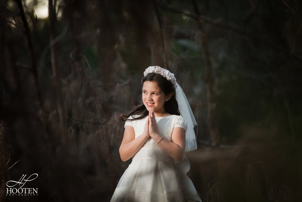 Immaculate-Conception-Catholic-Church-Communion-Portrait-Session-Hooten-Photography-27.jpg