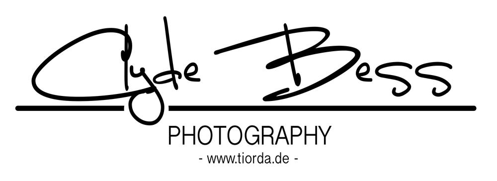 Clyde_Bess_Logo_Fotobuch 2.jpg