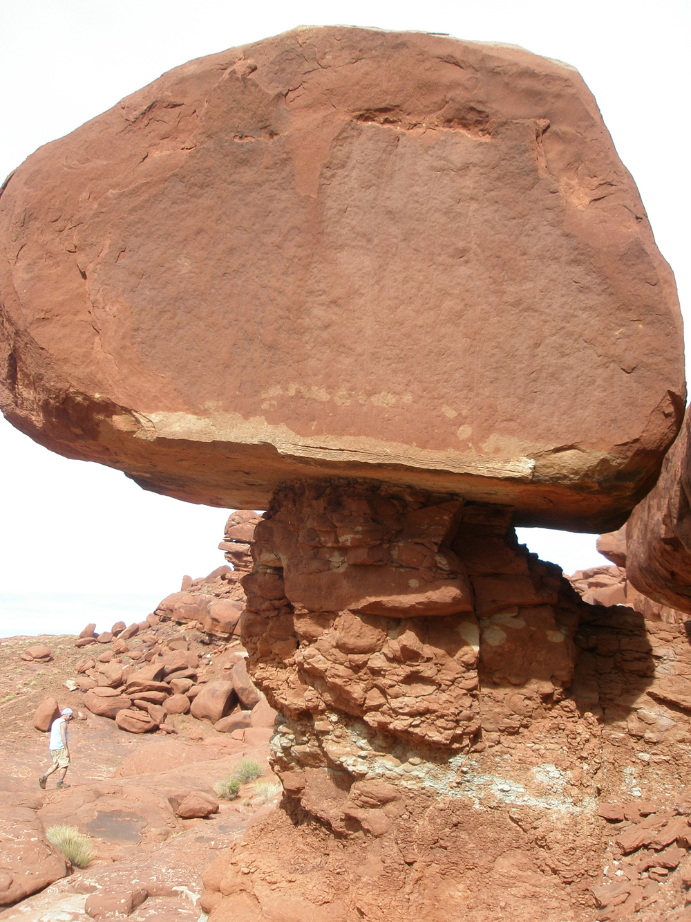 An October round near Moab, where the holes perch on red rock overlooking the Colorado River.