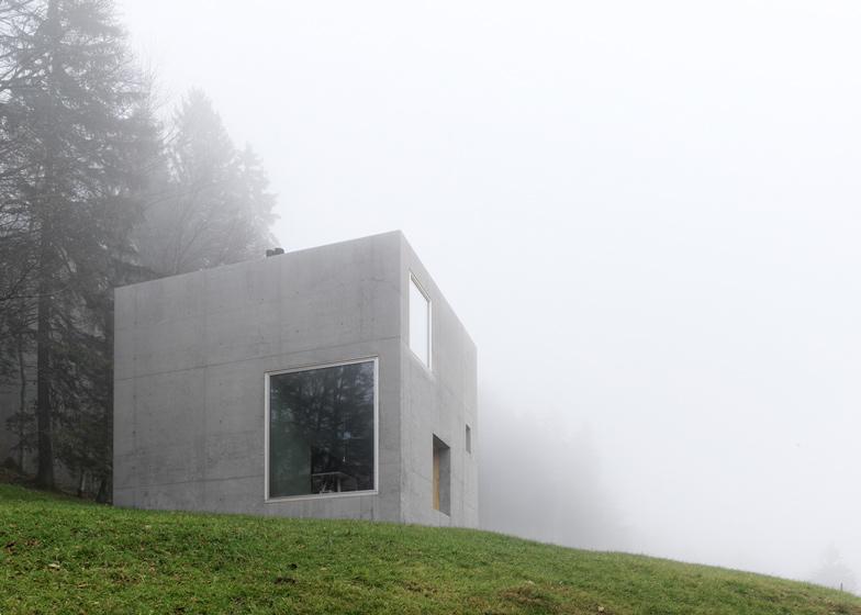 dezeen_Haus-Ruscher-by-OLKRUF_ss9.jpg