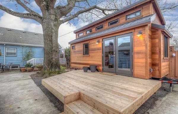 Small Spaces When Designed Accordingly Can Be The Ultimate Luxury This Tiny House On Wheels Is No Exception 224 Sq Ft Space Looks Open And