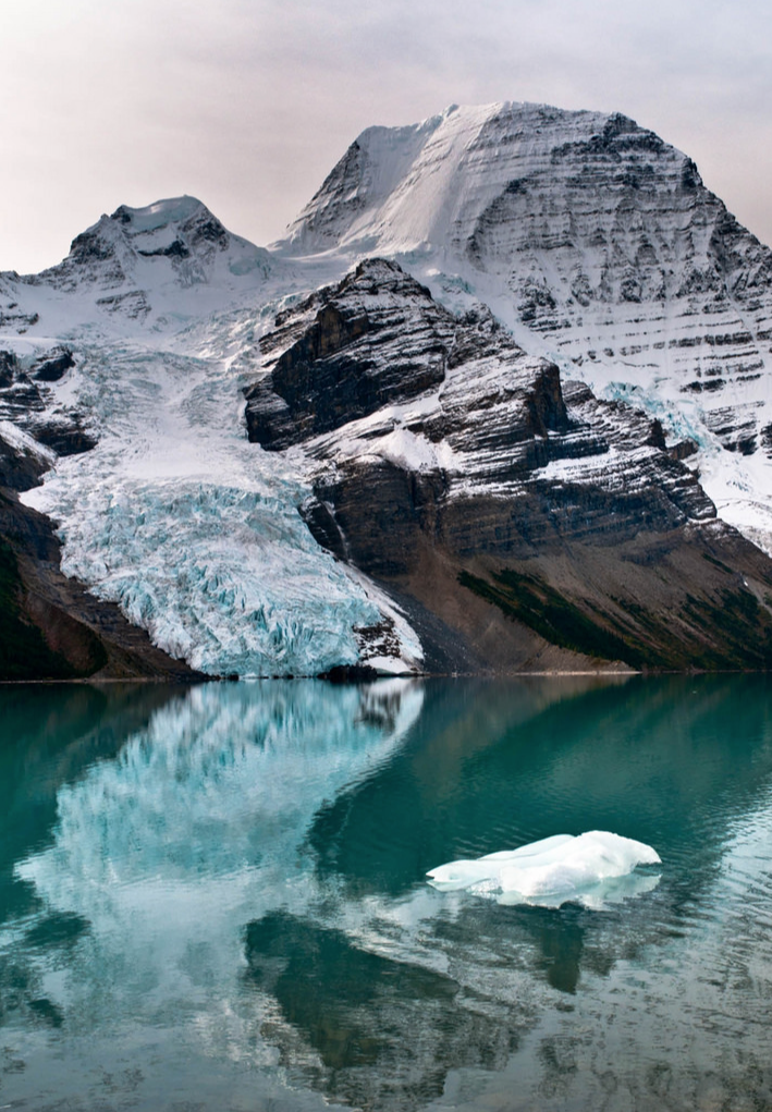 Berg Lake by  Panafoot via Flickr