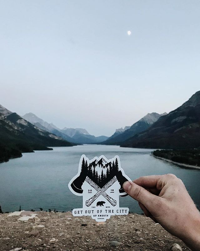 More time among mountains. Shop our 'Get Out Of The City' decals online. #upknorth #getoutdoors 📷: @nathanvanb