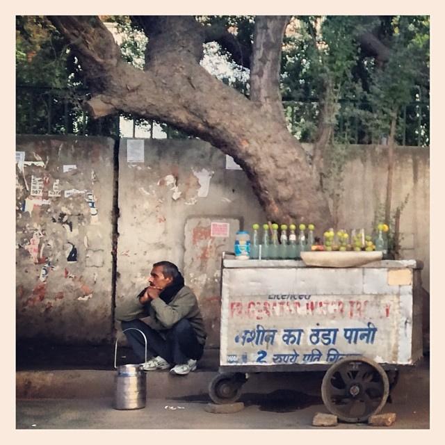 delhi roadside.jpg