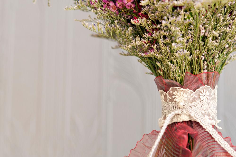 LGW_Spring_Bouquet_Wedding_Lace.jpg