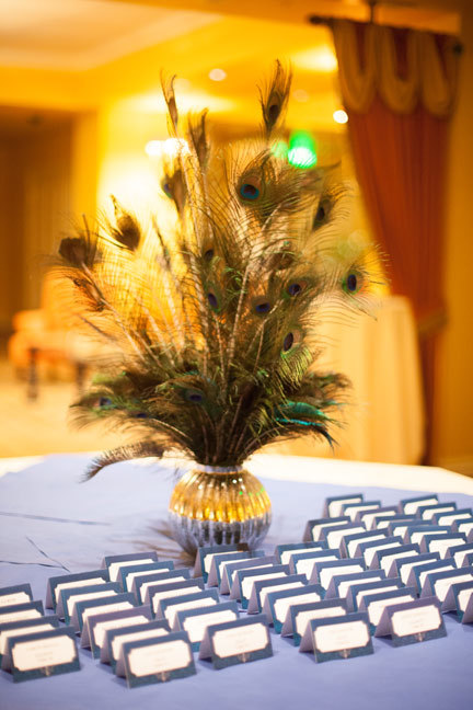 art-deco-feathers-escort-card-table.jpg