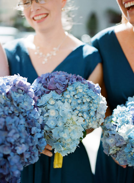 blue-hydrangea-bouquets.jpg