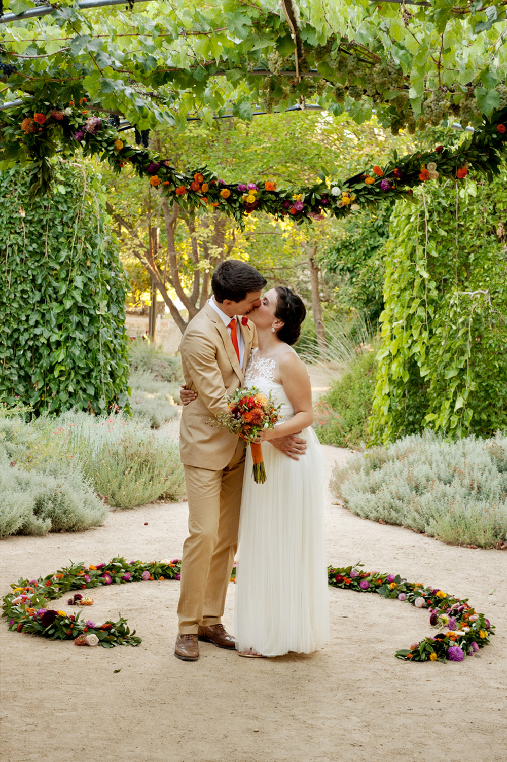 Campovida_Wedding_Ceremony_Flowers.jpg