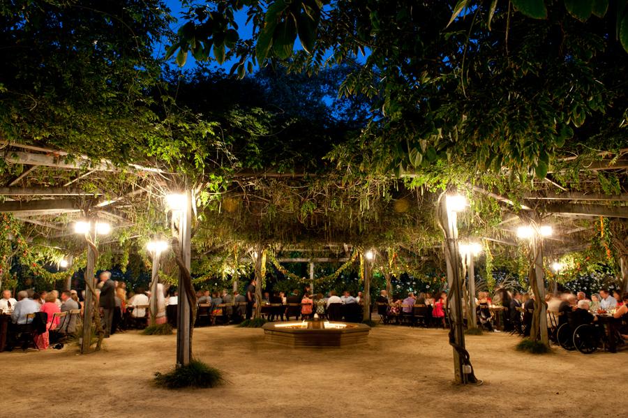 campovida-reception-tuscan-garden.jpg