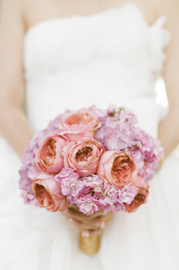 wedding-bride-bouquet-pink-hydrangea-roses-photojournalism-by-helios.jpg