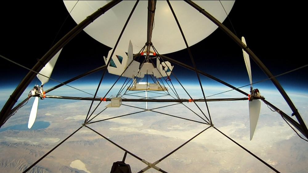 JP Aerospace Tandem airship in Near Space. (Source: JP Aerospace)