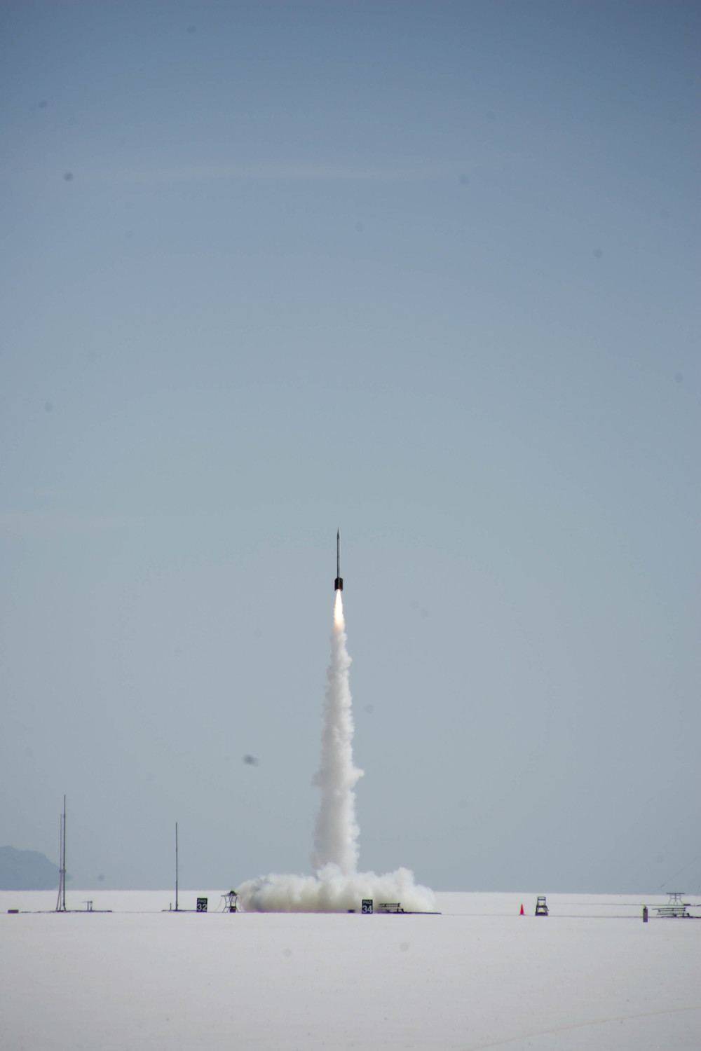 Student-built rocket launches from Utah desert in Nasa's Student Launch competition. (Source: MSFC/Dusty Hood)