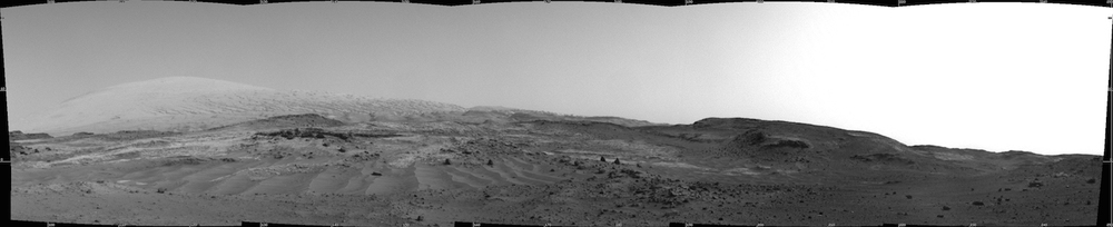 A view through Artist's Drive, the valley Curiosity is passing through on its way up Mount Sharp. Credit: Nasa/JPL-Caltech