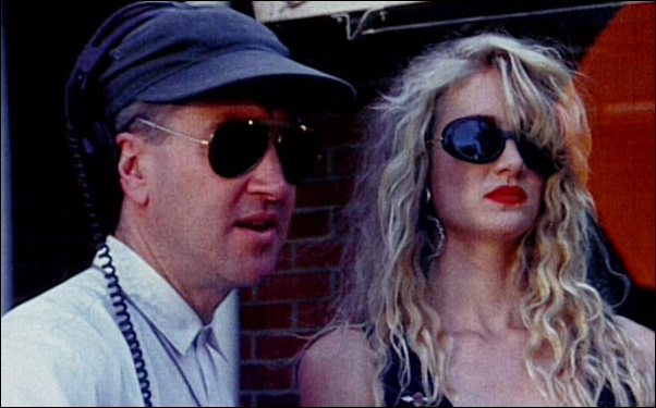 amy-blue :     David Lynch with Laura Dern on-set  Wild At Heart (1990)