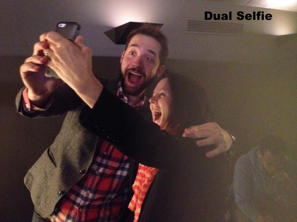 Alexis & Dawn dual selfie