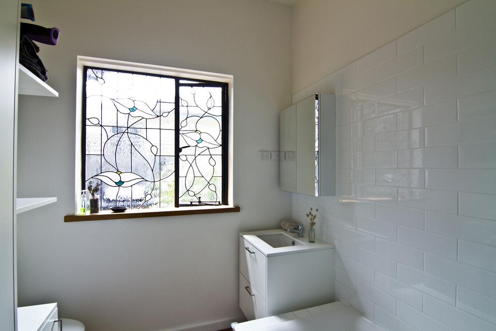 Neville - Bathroom 01.jpg