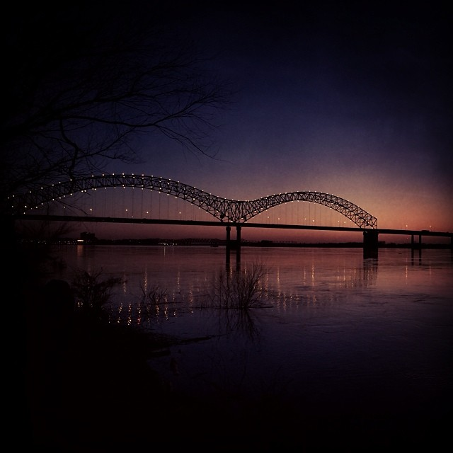 Hernando de Soto Bridge