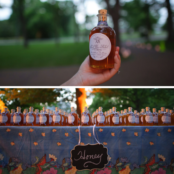 eco-friendly-wedding-favor-honey.jpg