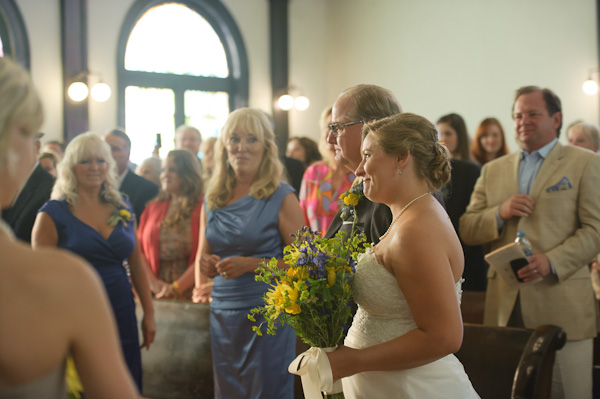 eco-friendly-nashville-wedding-bride-smiling.jpg