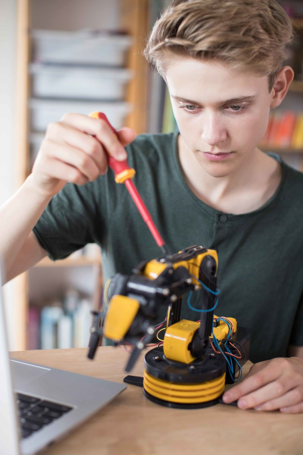 INDEPENDENT SCHOOL ROBOTICS