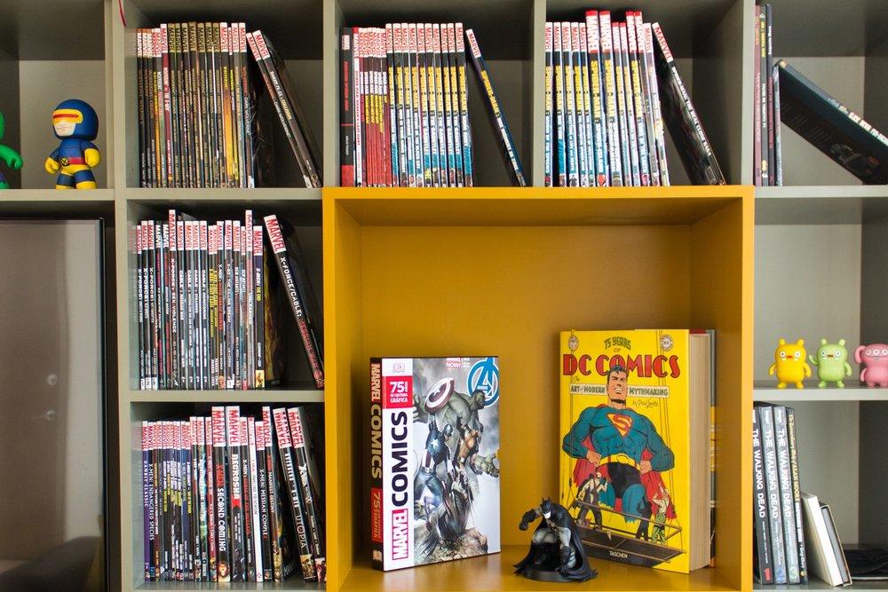 COMIC CENTRAL - Lo que buscaba este cliente era un espacio en donde pudiera disfrutar de su impresionante colección de cómics pero al mismo tiempo funcionara como guardado.