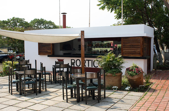 porticos-lusaka-cocktails-midweek spot-zambia.jpg