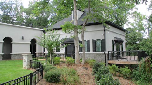 Carriage House 2.jpg