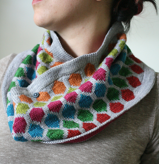 The Chromaticity Cowl. Photo copyright Miriam L Felton. Used with permission.