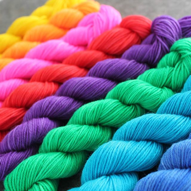 This endless rain 🌧️ here in Vancouver reminds me why I started dyeing such bright yarn. Who else could use some brightness in their life?