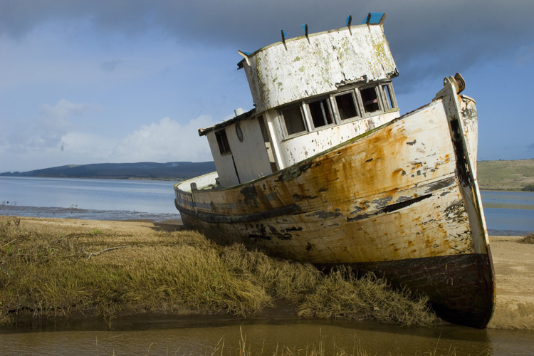 boat stuck.jpg