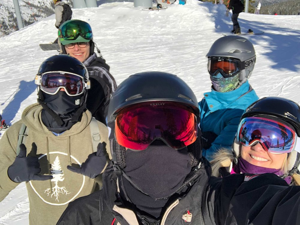 After lunch, we headed back up to the top of Powderhorn and Craig took our traditional family picture on the slopes…our last family picture together.