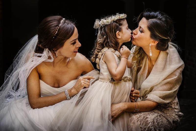 MaurizioSolisBroca-sisters.jpg