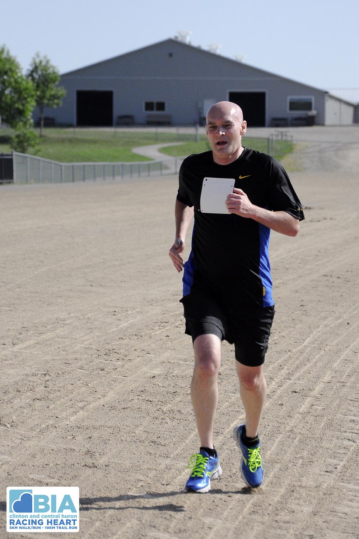 Dave Jewitt finish line.jpg