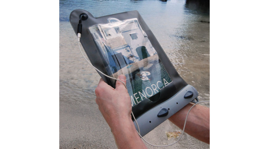 638_Waterproof-iPad-Case-.jpg