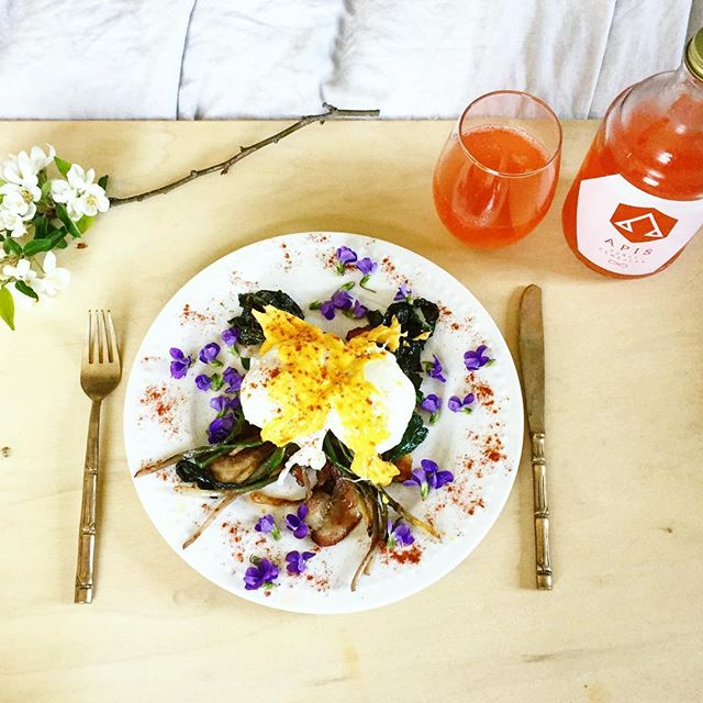 Happy Mother's Day!! Wishing all of the mamas and caretakers and the Earth Mother herself a blessed and nourishing day. I'm grateful for my beautiful family and the gifts of this land today. #farmfresh ❤️🌷 ps This breakfast was insanely delicious (poached eggs over bacon, ramps, spinach w hollandaise and fresh  violets and @apishoneykombucha !!) and except for the butter, all of the ingredients came from our land and farmstand!! ❤️❤️❤️